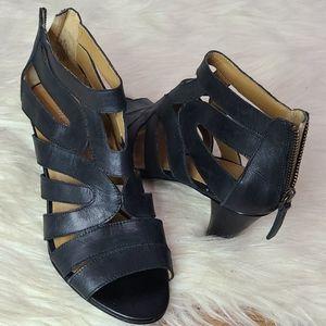 Nine West Raesa black strappy heel sandals 6